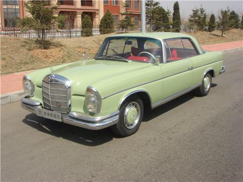 劳斯莱斯全球限量版_劳斯莱斯推古思特限量版车型全球仅此一台