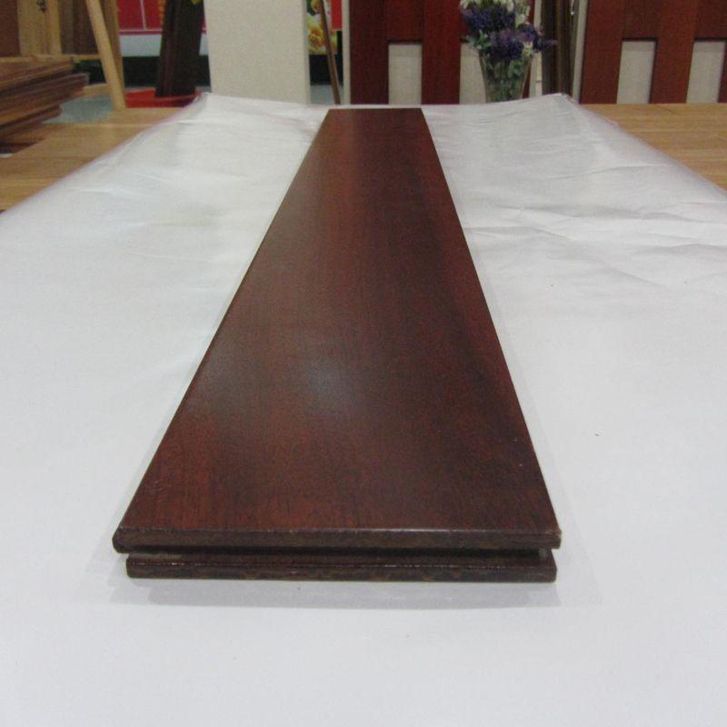 新振泰山实木地板 圆盘豆绿柄桑 超耐磨实木地板钛晶面 无甲醛 天然
