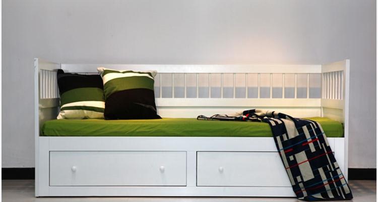 【产品名称】:多功能沙发床 【产品颜色】:黑色(提供色板多种颜色可选) 【产品尺寸】:外围尺寸1.9米(尺寸可根据需要设计订制) 【产品材质】:木材有松木、桦木、鹅掌楸木、水曲柳、红橡木可供选择! 【联系方式】TEL:18621583679 QQ:568317656 相关说明:家具类产品需预定,购买前请与客服沟通。可根据客户的要求定制家具, 定货前请与客服确定好木材、尺寸、颜色。 本公司专业定制各类实木家具、可以免费出图、设计、可以做衣柜、橱柜、沙发、茶几、电视柜、餐桌餐椅等。欢迎来厂考察参观。 上海利津
