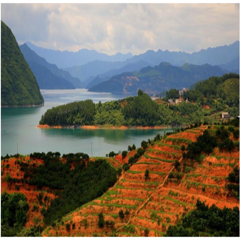 丹霞湖水上乐园度假村位于浏阳市社港镇丹霞湖周洛漂流终点.