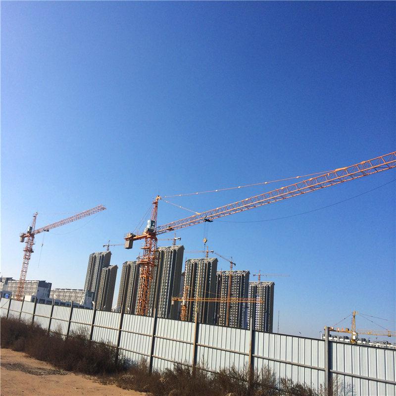 山西鼎泰租赁公司常年租赁、销售山西塔式起重机租赁,施工升降机. 公司主营:塔式起重机、塔吊QTZ7055、QTZ7052、QTZ7525、QTZ7036、7020、6516、6015、6010、5512、5415、5013、5008、4708,315, SCP200/200、SC200/200施工升降机,钢管8000吨,扣件110万个。 山西塔式起重机租赁公司管理完善,技术力量雄厚,先后参与了铁路、公路、民用建筑电厂等数百家工程建设,山西塔式起重租赁以安全、高效、专业的服务理念获得各界新老用户的一致好评。