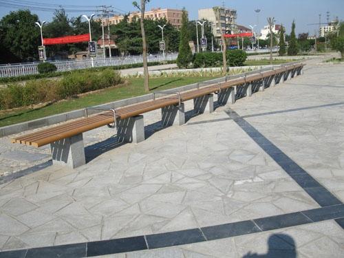 河北保定街道塑木长凳