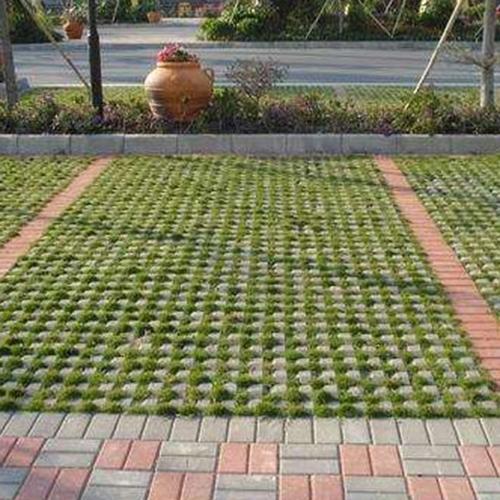 草坪砖铺设停车位