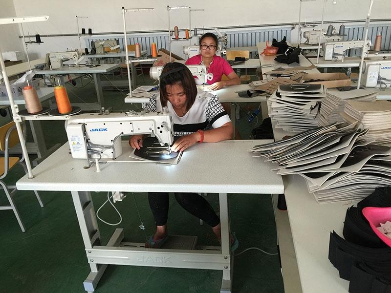缝纫机工人