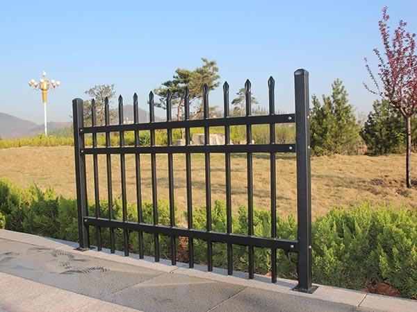 锌钢阳台护栏后期维护保养常见注意事项