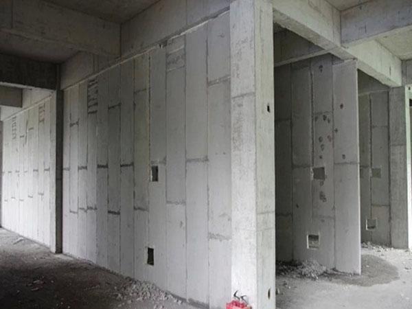 轻质隔墙板和传统的墙