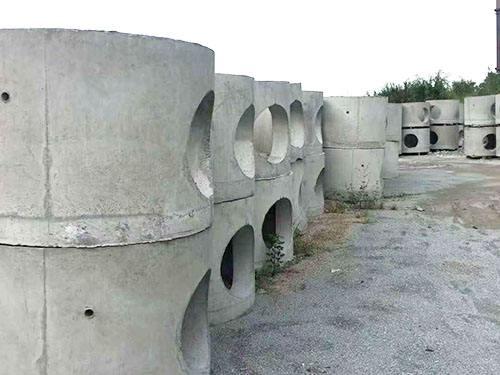 水泥砖施工时为什么需要充分喷水?