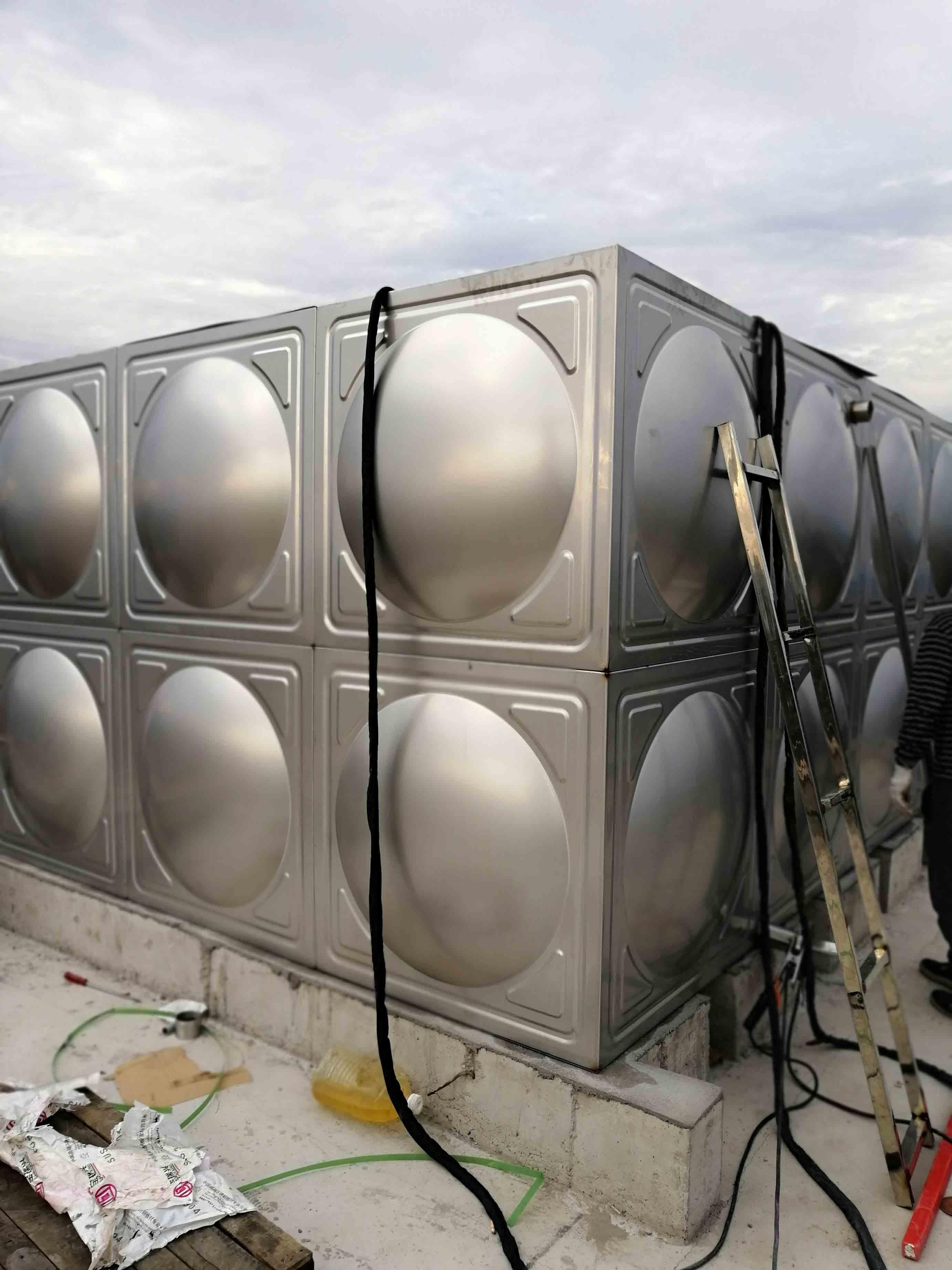 不锈钢水箱在管道连接上的几种方式介绍