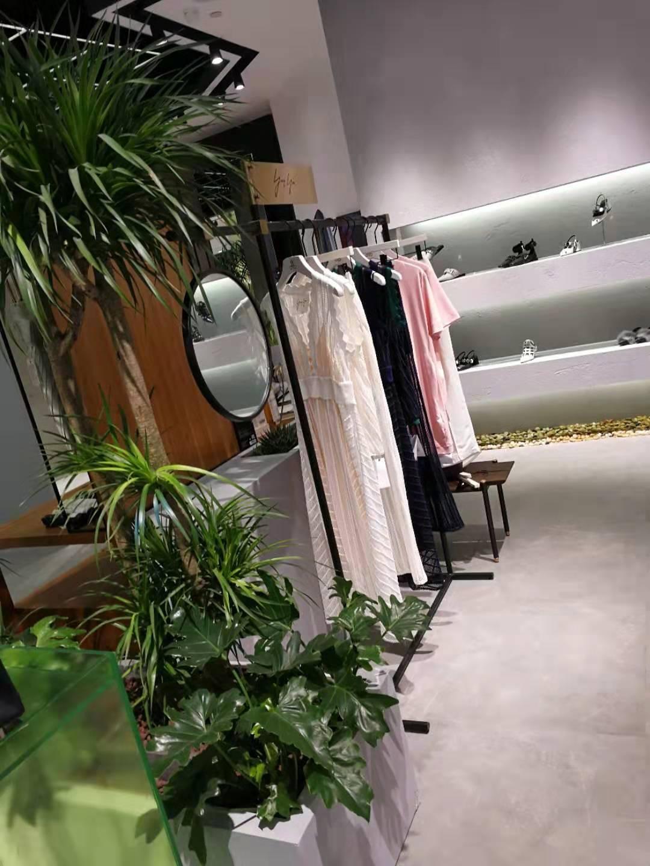 九龙仓3楼D15女装道具案例