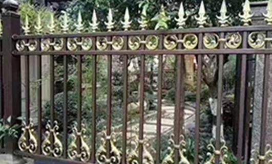 用什么材质的围墙护栏
