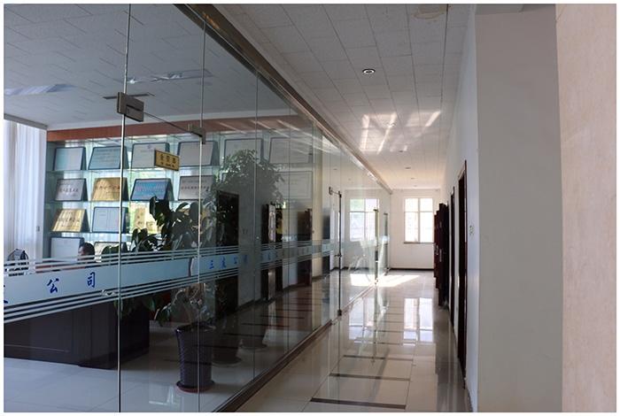 办公楼一层办公室