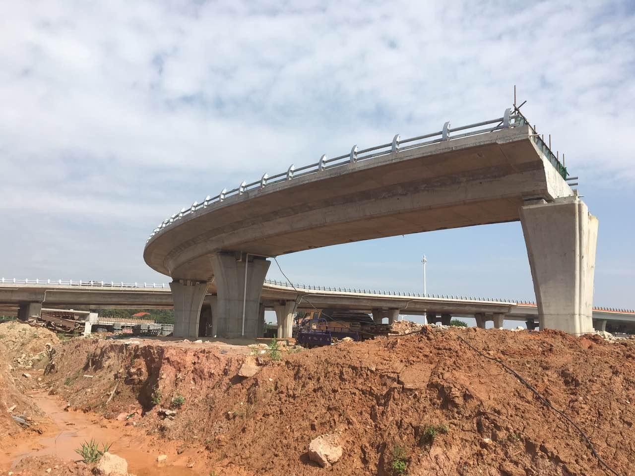 模板在桥梁工程应用
