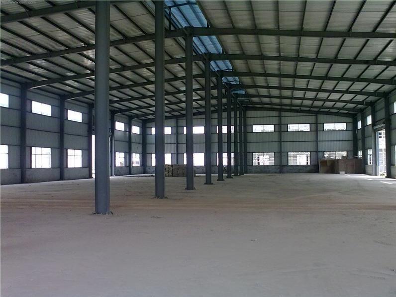 一般的钢结构厂房或者仓库都有采光窗户,也能满足采光的需求,但是对于