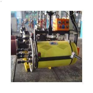 半轴螺栓 半轴螺栓松动 汽车半轴螺栓高清图片