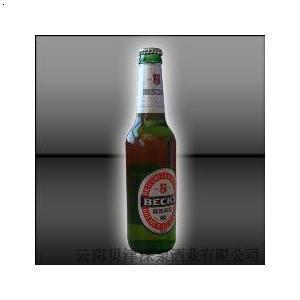 瓶装贝克啤酒
