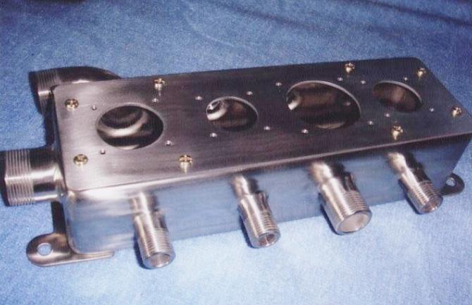 飞机发动机电源盒