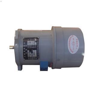 交流发电机和直流发电机的主要构造图片