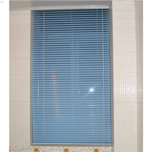玻璃门,玻璃隔断,防火门,防火卷帘门,防盗门,百叶窗,铁艺大门,欧式