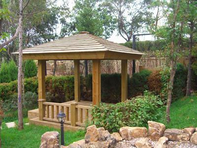 木质圆形亭子图片