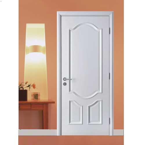 内部装修采用环保装饰板装饰,底部钢撑加竹胶板上铺木质地板,电源空调