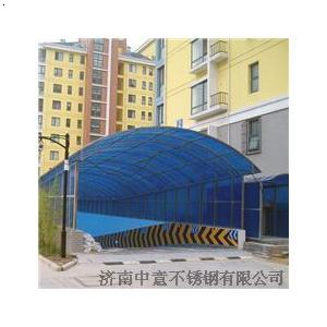 地下车库坡道玻璃雨棚工费每平米多少钱_医院地下车库入口玻璃雨棚