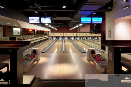 保龄球设备多少钱_黑龙江儿童室内游乐设施、快乐保龄球游艺机价