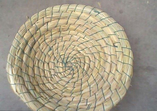 详情:纯手工编织的稻草鸽子窝