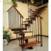 济南天鸿大军铁艺楼梯,济南楼梯护栏,济南楼梯扶手加工制作