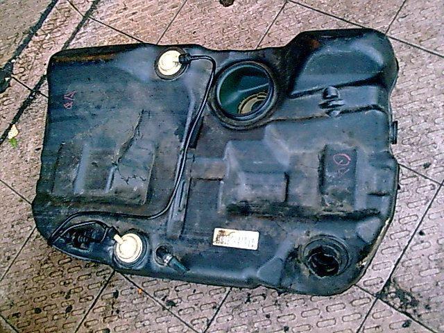 汽车配件; 轿车 油箱结构 图图片