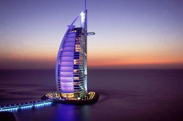 迪拜带字风景图片