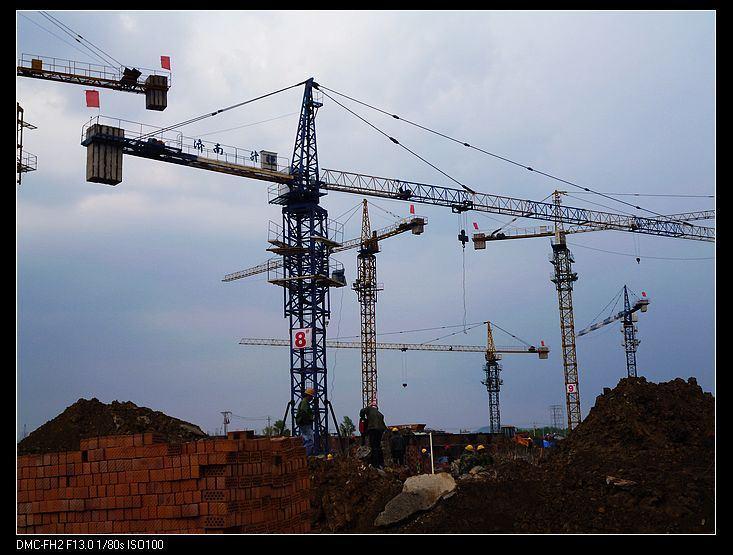本公司出租塔吊型号qtz315,qtz40,qtz60,``qtz63,`qtz`80 工程电梯,吊