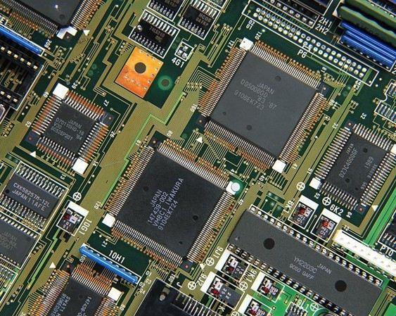 ¥30000.00(200000) 品牌:曙光机械| 规格:时产300/500/1000公斤Pcb电路板回收处理设备配置| 起订量:1| 详情:时产量300公斤pcb电路板回收处理设备配置:粉碎机主机-分析器-旋风下料器-三合一除尘器-斗式提升机-分级机-高压静电分离器,