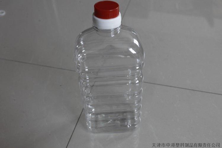 天津/天津市中港塑料制品有限责任公司主要生产聚乙烯塑料桶和PET...