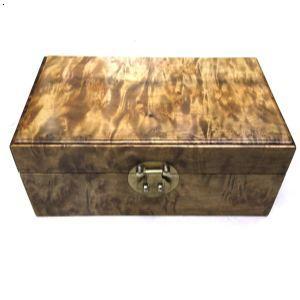 金丝楠木箱子