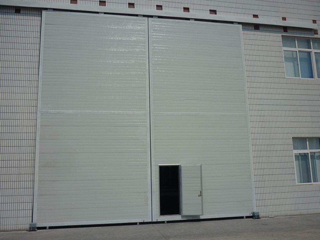 平移门主要用于工厂、车间、仓库、钢构公司等大门,工业平移门能最
