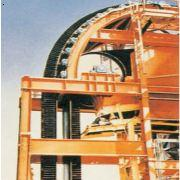 大倾角(波状挡边)带式输送机