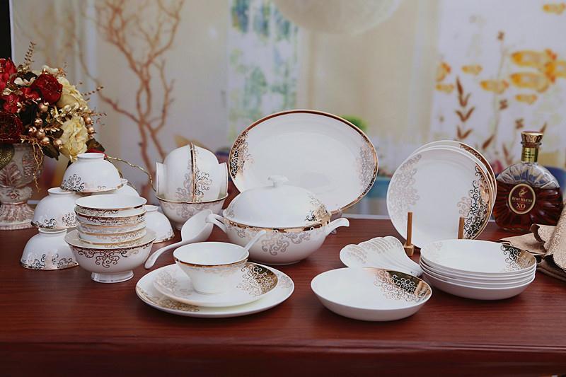 48头骨质瓷餐具金图