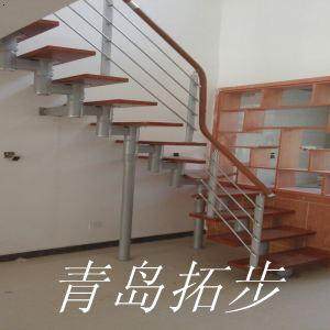 青岛钢木楼梯-1