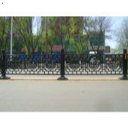 道路护栏哪家最专业 道路护栏哪家便宜 郑州道路护栏批发 郑州道路护栏生产厂家