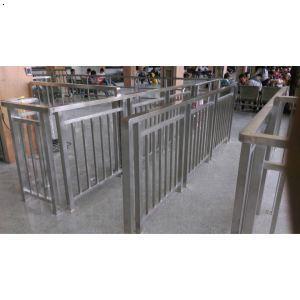 【济南不锈钢栏杆 济南不锈钢检票栏 车站检票