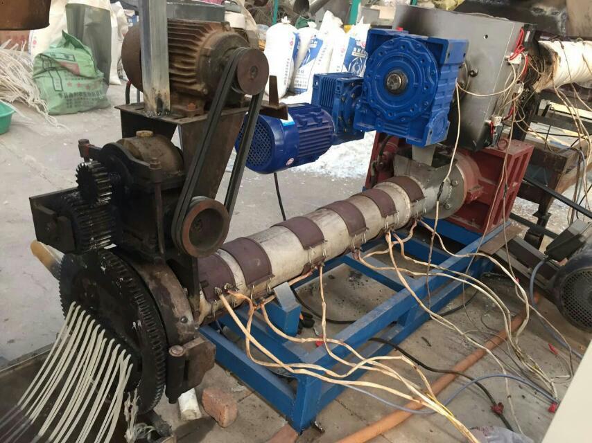 聚丙料造粒机与自动排