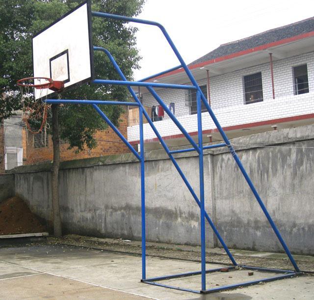 炮式钢管篮球架