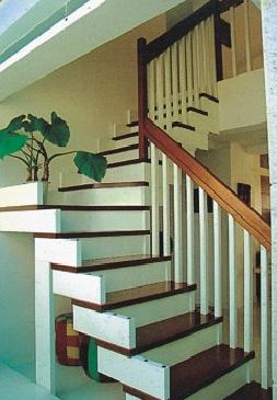 """米现代化生产厂区,目前主要生产""""永旺""""牌实木楼梯家具及系列配套产品"""