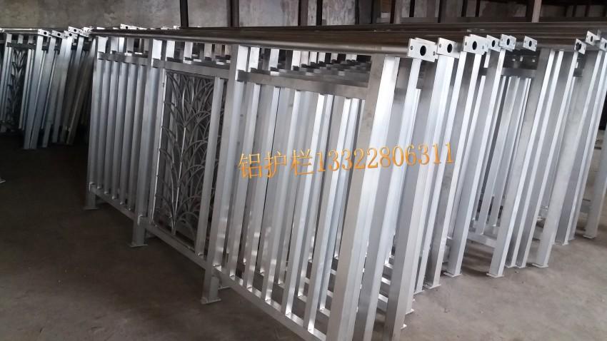 焊接木纹铝艺栏杆铝