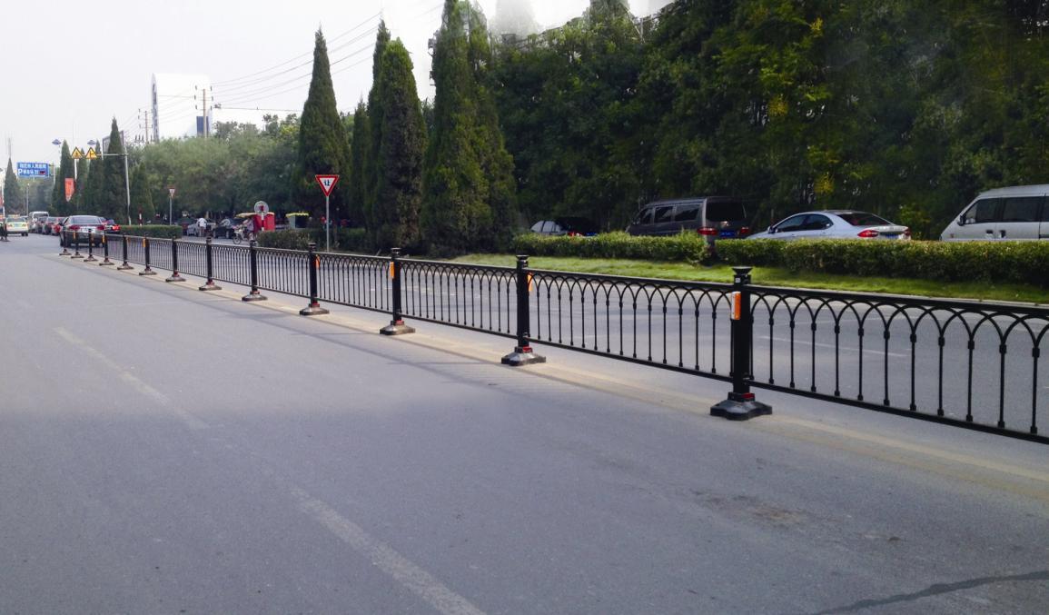郑州防撞道路护栏|郑州道路护栏供应图片