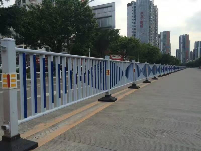 郑州道路护栏 郑州交通护栏厂家 河南护栏 