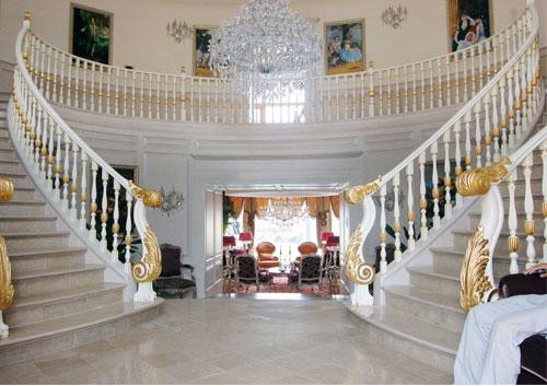 模特欧式室内手扶楼梯