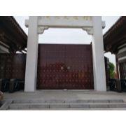 寺庙大红门