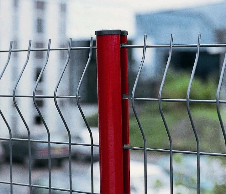 厂家供应桃型柱护栏网