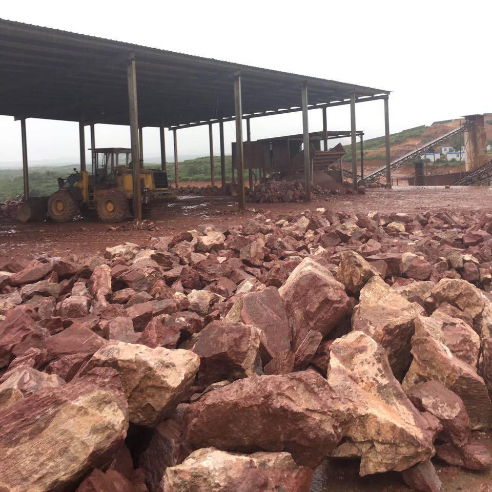 鸡血红原石生产基地|